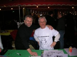 Illustrator Eric Loutte(l) met I.B.A.-bestuurslid Jan de Haas.